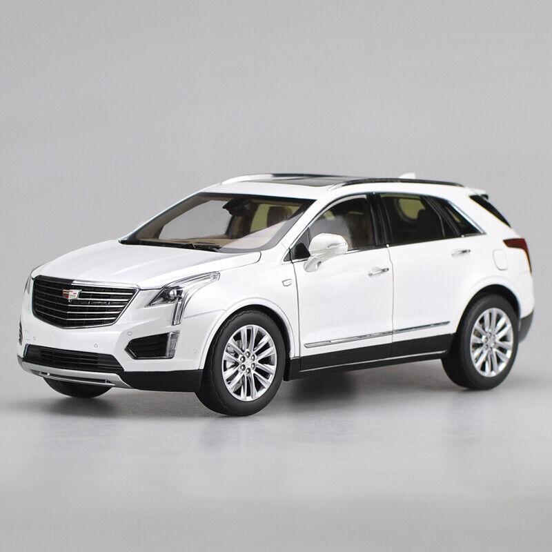 punto de venta de la marca Nuevo blancoo Original Diecast Escala 1 18 Cadillac XT5 DIE-CAST DIE-CAST DIE-CAST MODELO COCHES de coche  Envío 100% gratuito