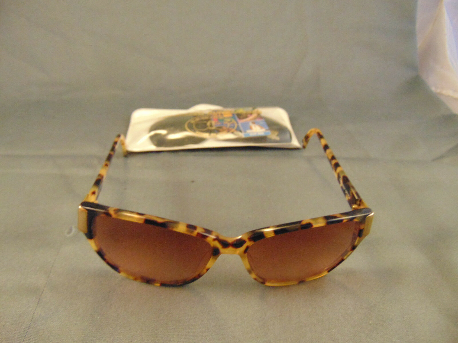 Vtg Lady's sunglasses Corning Optics 625R Family Optics polarized sun clipons