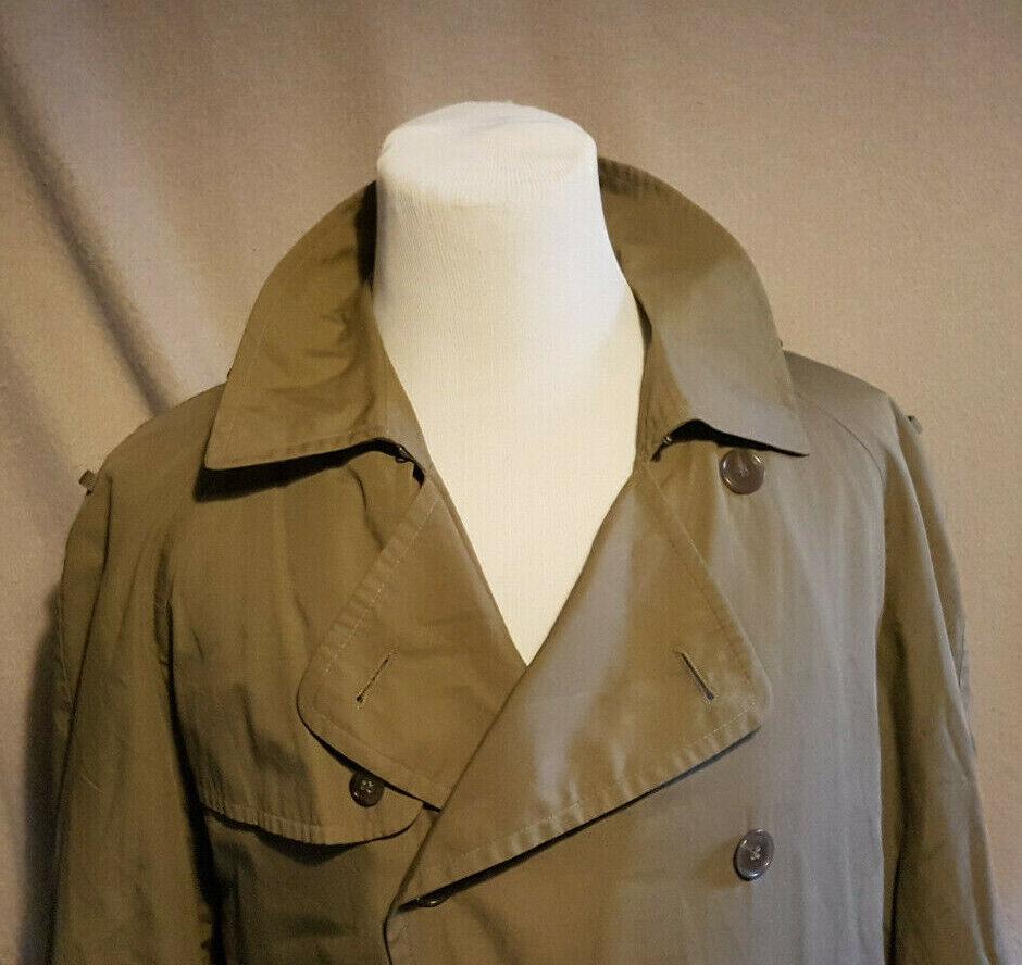 WELLINGTON OF BILMORE Mans Vintage Mac Overcoat Size  Medium VERY GOOD Condition
