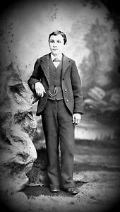 ANTIQUE-8-x-5-GLASS-PHOTO-NEGATIVE-1860-1890-YOUNG-MAN-STANDING