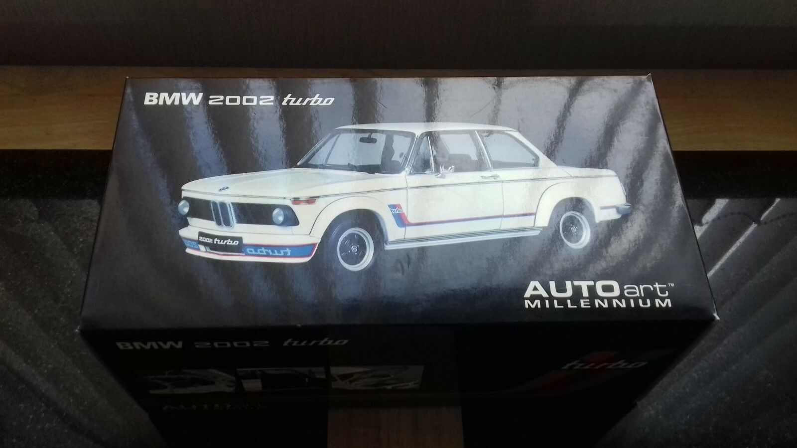 AUTOart 1 18 BMW 2002 Turbo in white.