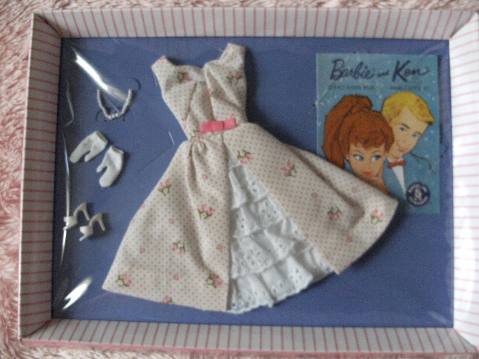 Let's Play Jardín Fiesta Moda Traje De Barbie 2012 () reproducción nunca quitado de la caja