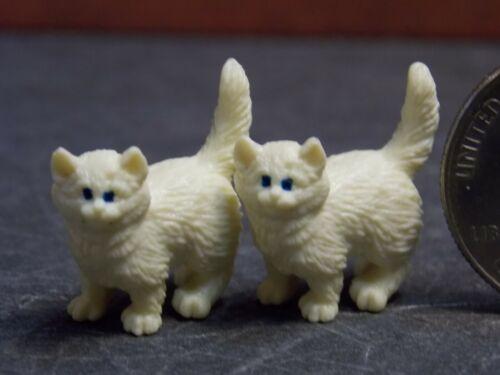 Dollhouse Miniature Cat Kittens Animals K83 1:24 1:12 3//4 in tall Dollys Gallery