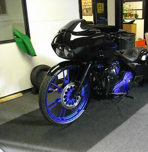 Harley-Davidson-custom-low-profile-paintable-Road-Glide-Windshield