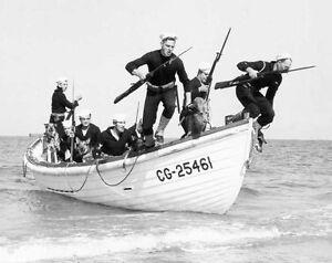 6x4-Gloss-Photo-ww4638-World-War-2-II-WW2-War-Landings-Coastguard-Landing