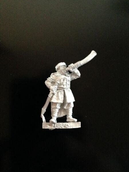 Generoso Warhammer Lord Of The Rings Lotr - Haradrim Commanders Horn Blower Metal Oop