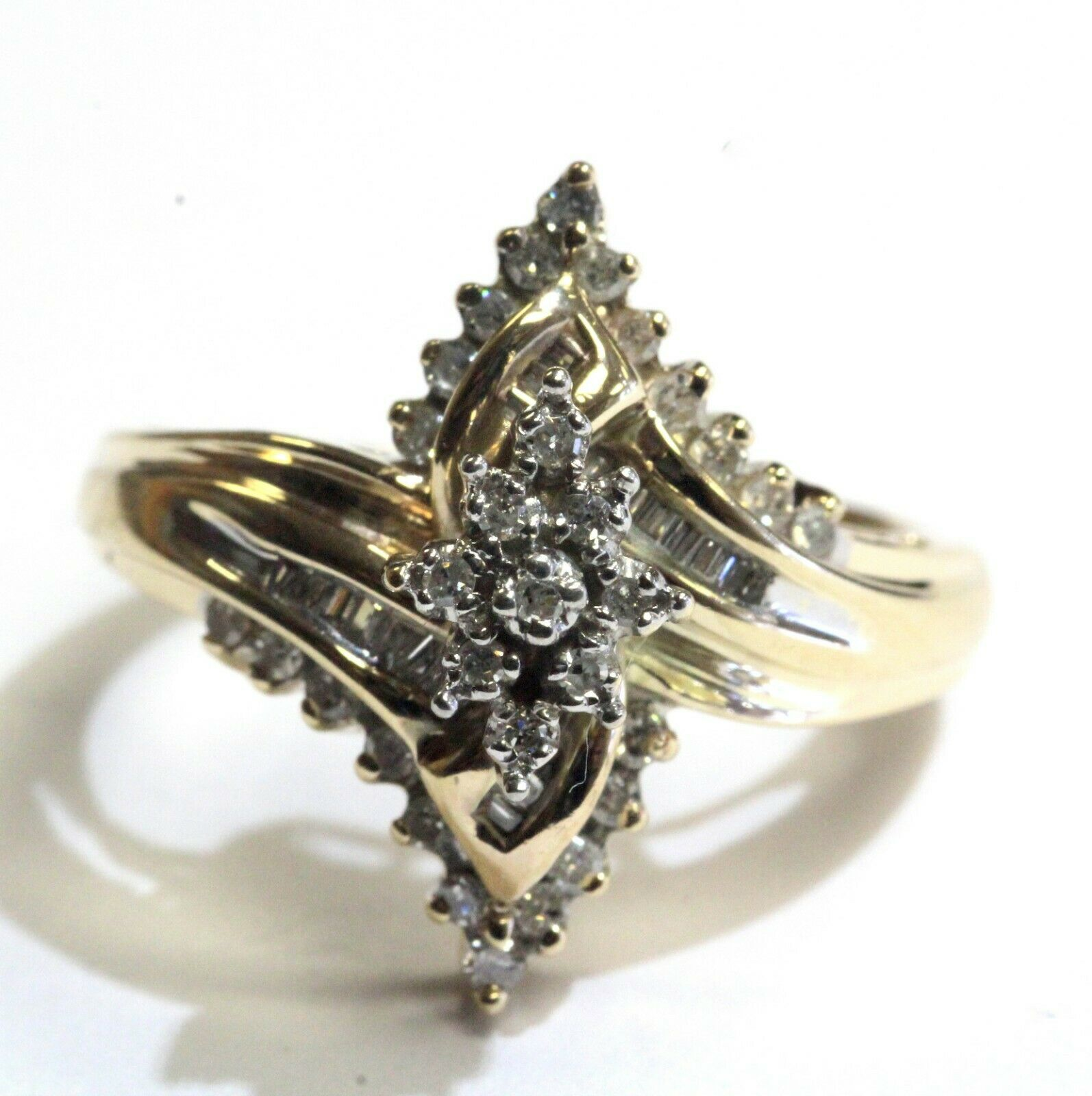 10k yellow gold .49ct SI2 H round diamond cluster ring 5.9g estate vintage