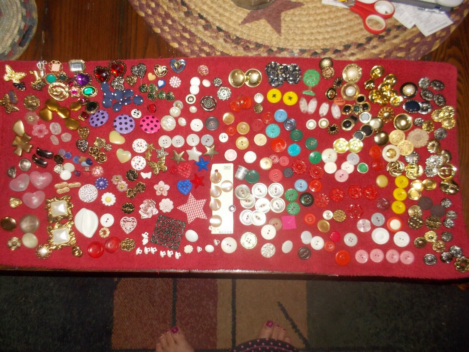 VINTAGE BUTTONS OVER 300 - image 3