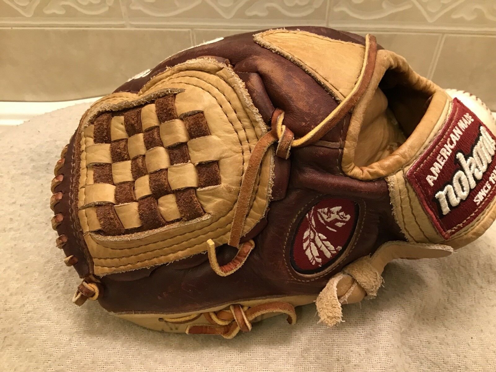 "Nokona BC-1050 10.5"" Youth Baseball T-Ball Glove Left Hand Throw"