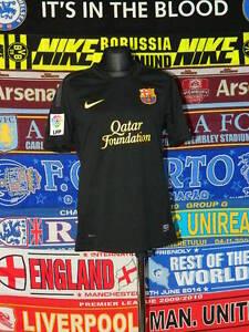 ac3dd5c81f4 5 5 Barcelona boys 10 12 yrs 140-152cm MINT football shirt jersey ...
