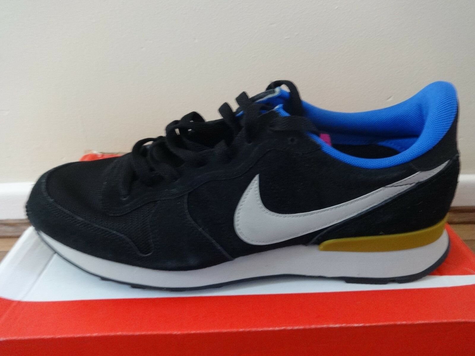 Nike Internationalist Suede trainers 631755 003 uk 6 eu 40 us 7 NEW IN BOX