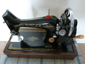 Vintage-99K-Singer-Sewing-Machine-boxed-with-instructions-Beautiful-Condition