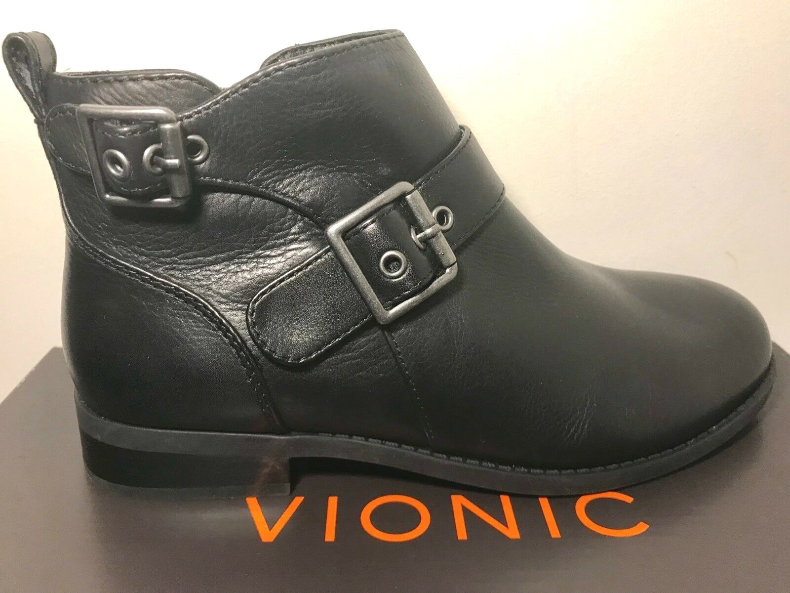 VIONIC Country Logan Ankle Boots Womens