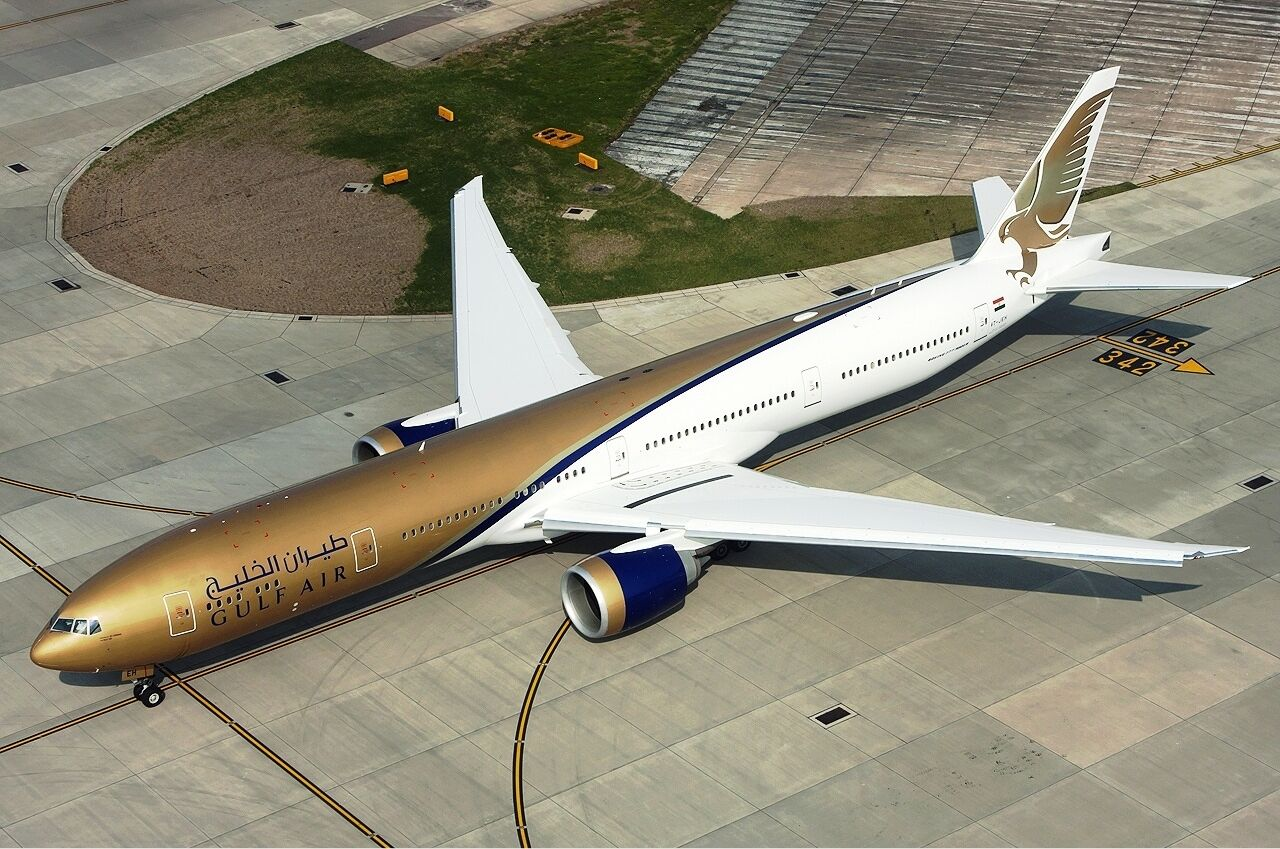 INFLIGHT 200 IF77720217 1 200 GULF AIR BOEING 777-300ER VT-JEH WITH STAND