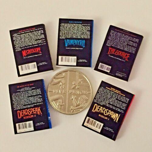 Conjunto de cinco casas de Muñecas Miniatura Libros Novelas De Terror Vampiro a mano 1:12th Escala