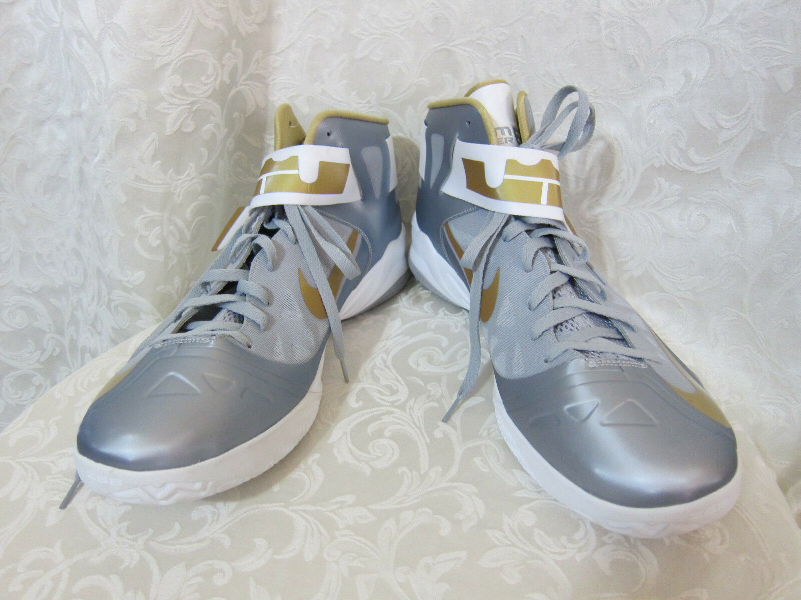 NEW LABRON JAMES ZOOM SOLDIER 6 NIKE ZS6 GRAY AND GOLD SIZE 18
