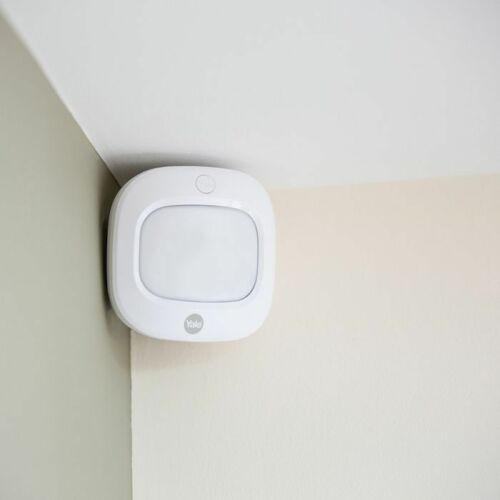 Brand New Yale Sync Smart Home Alarm Starter Kit IA-310