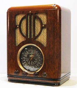 Old-Antique-Wood-Zenith-Vintage-Tube-Radio-Restored-amp-Working-Deco-Black-Dial