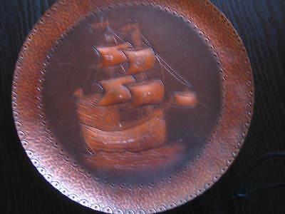 Wandteller Aus Kupfer, Handgetrieben