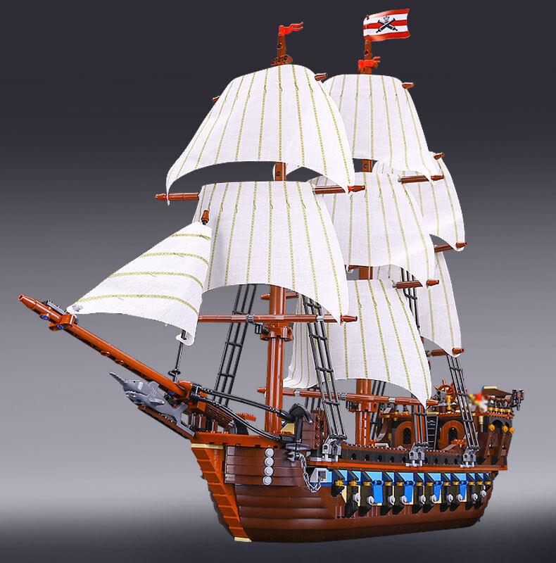 Imperial Flagship Pirati - 10210 Compatibile  - 1717 pezzi - nuovo -  a buon mercato