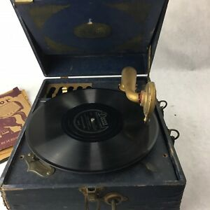 Antique-SILVERTONE-PORTABLE-GRAMMOPHONE-PHONOGRAPH