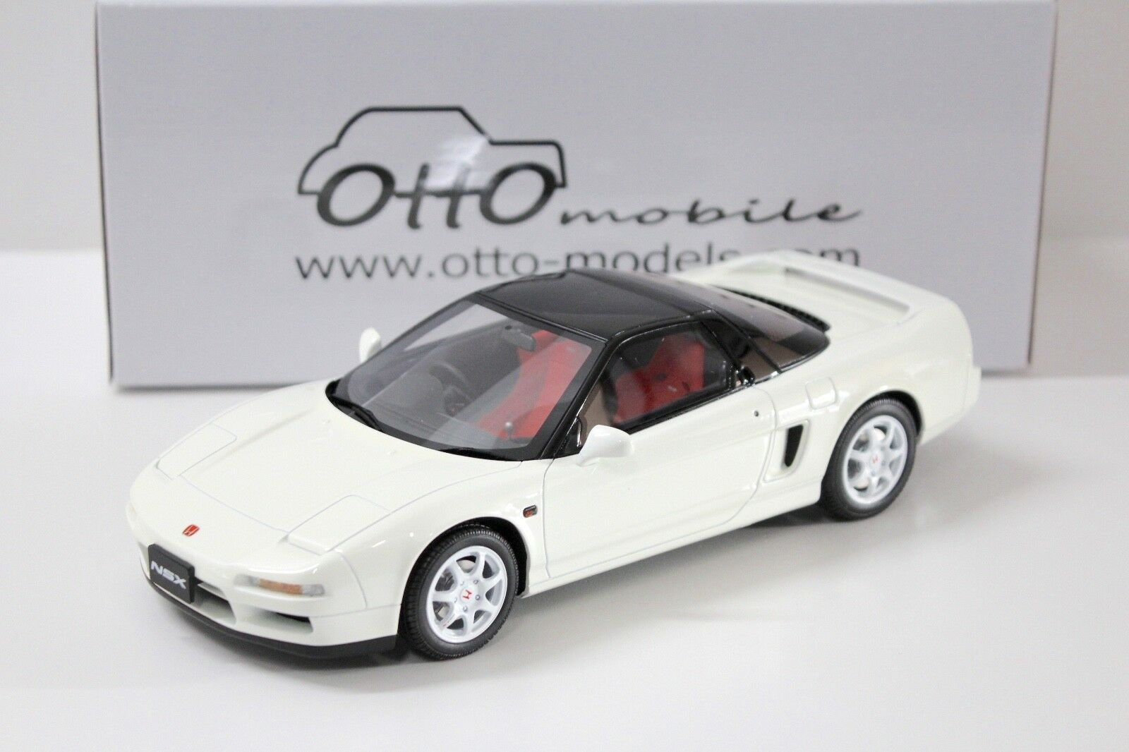 1 18 Otto HONDA NSX TYPE-R 1990 White NEW in Premium-modelcars