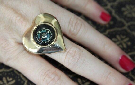 Betsey Johnson RARE Follow Me Compass Ring New Heart