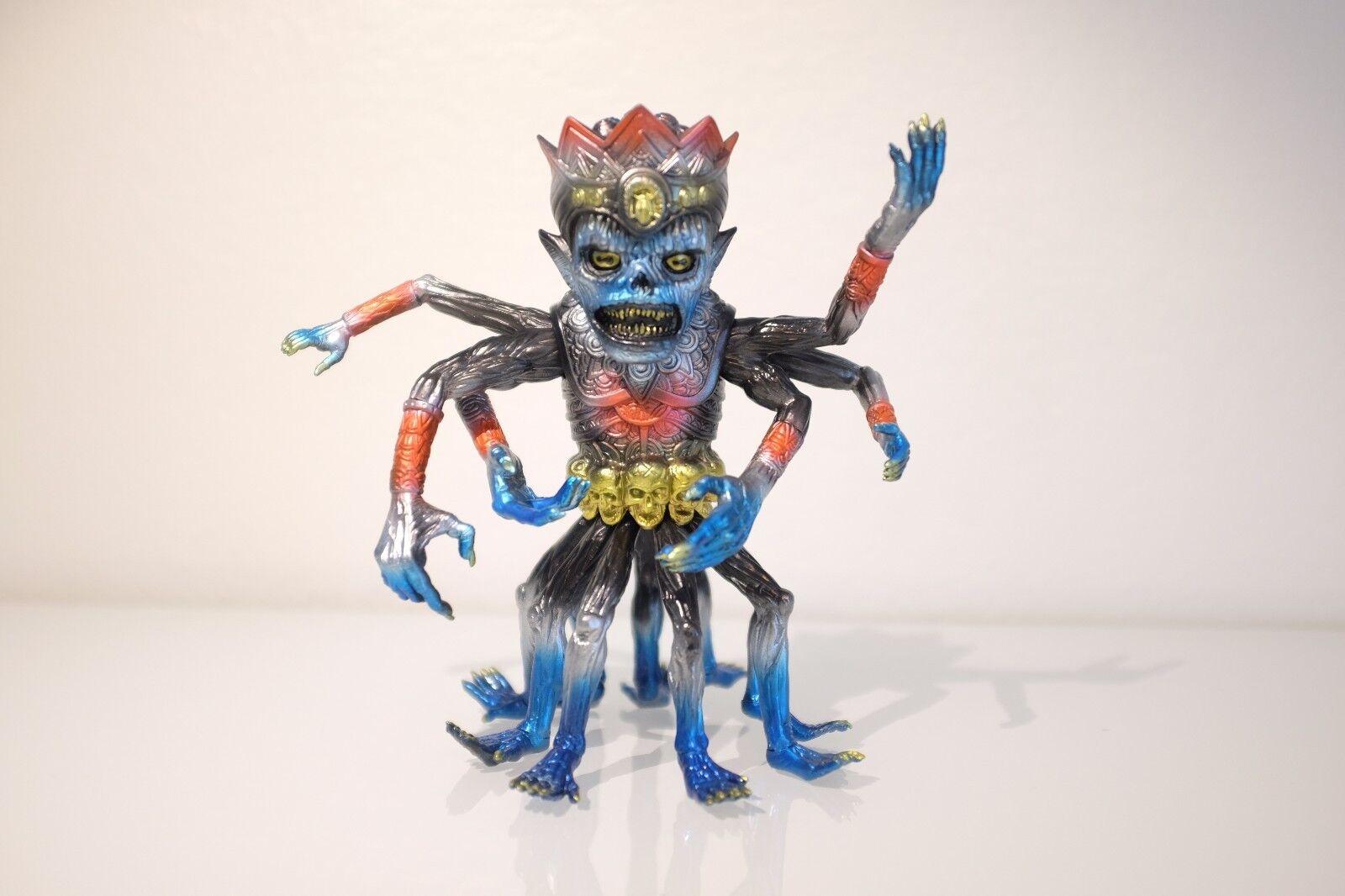 Skinner Supreme Spider Sextopigon edizione of 12 Sofubi