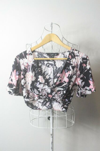 """Forever New"" Size 6, Ladies Stylish Crop Top, Great Condition. Perfect Bargain!"