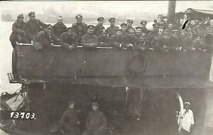 WW1-GERMAN-ARMY-BOAT-RARE-IMAGE-SOLDIERS-MATERIAL-ANTIQUE-RPPC-PHOTO-POSTCARD