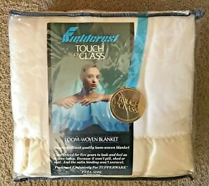 Vintage-Fieldcrest-Touch-of-Class-Thermal-Blanket-Satin-Trim-Full-Size-80x90-NEW