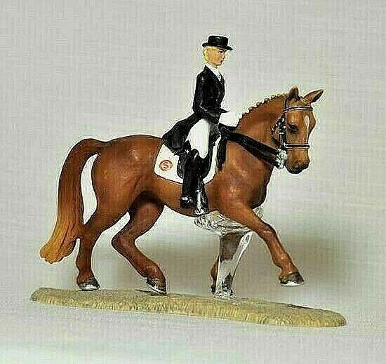Schleich 42035 Dressage Horse & Rider with Stand 2008 Retirot  Rare