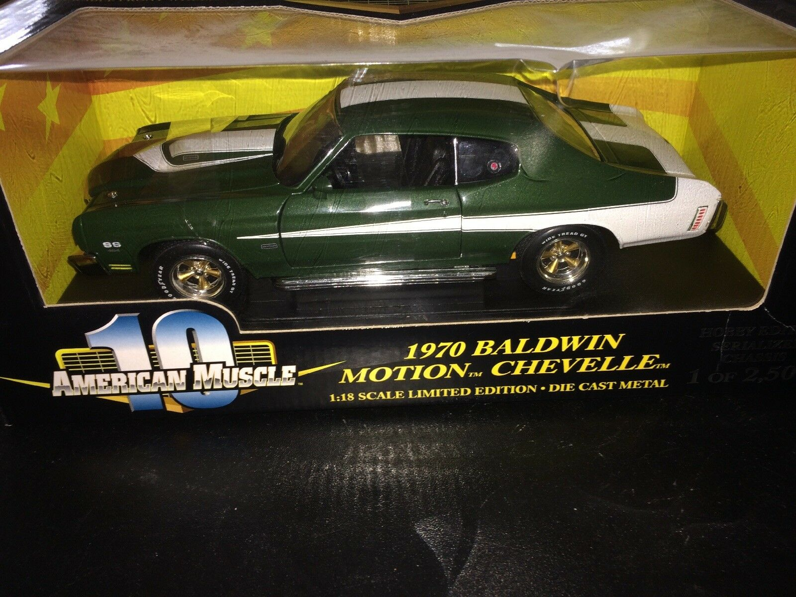 1 18 American Muscle 10 1970 BALDWIN MOTION CHEVELLE SS454 1-2500 Green & White
