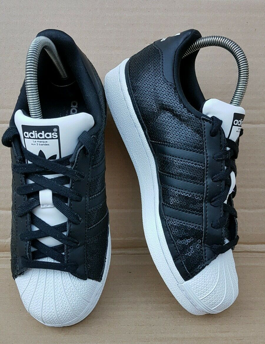 the latest dd006 fe313 ... Splendida Splendida Splendida adidas superstar shell i formatori in  numero 5 uk lustrino nero eccellente aa26ff ...
