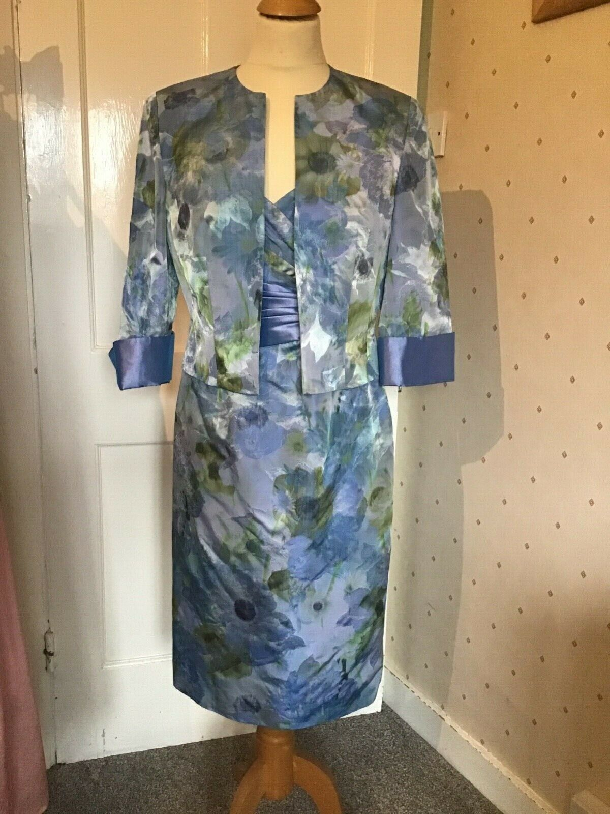 Ispirato IP909 mother of the bride size 14 BNWT was now