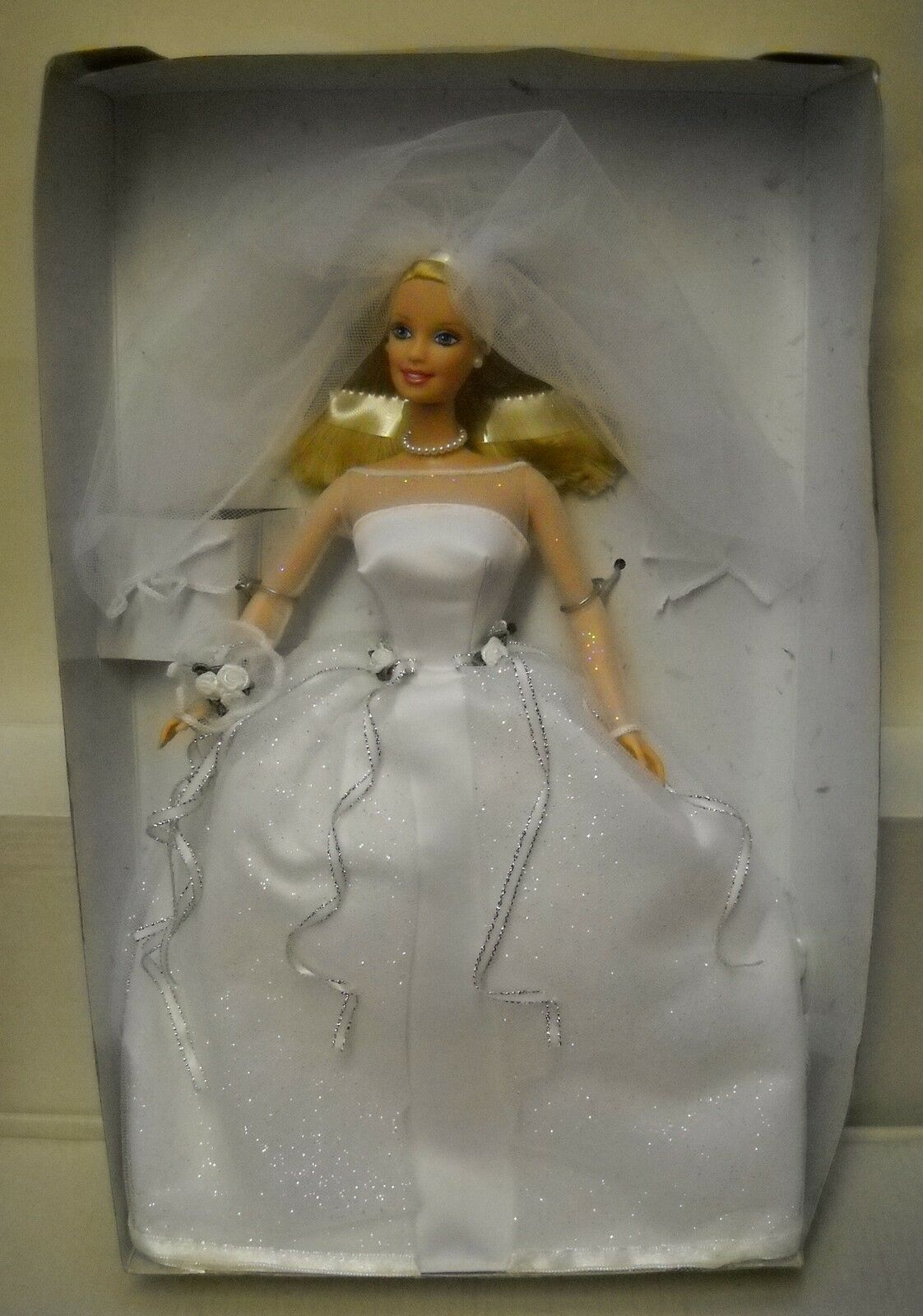Nuevo Caja conectados a Forro Mattel Barbie Avon catálogo azulshing Bride