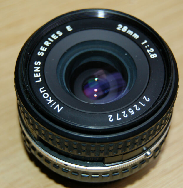 Objektiv Nikon Nikkor 1:2.8/28 Serie E Nikon F AIS Nikkor 2,8 / 28mm