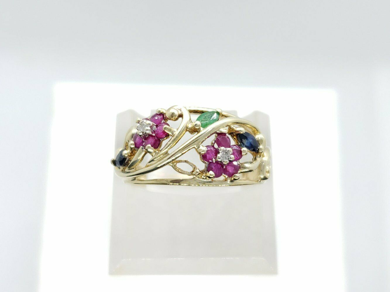 Estate 10k Yellow gold Natural 0.5 CT Red Round Ruby Sapphire Ring