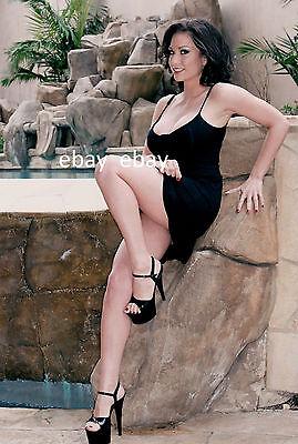 "PRETTY SEXY WOMEN - HOT PHOTO MODEL - PIN-UP - 5"" X 7"" - 13 CM X 18 CM"
