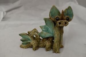 Stunning-Vintage-Yare-Design-Studio-Pottery-Dragon-with-original-label-13cm-tall