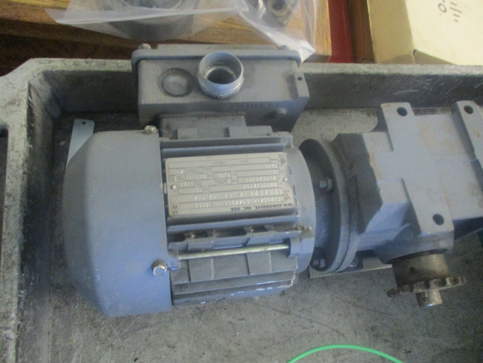 Sew-Eurodrive Model  DFT71D4-5044955 Motor with  Reducer