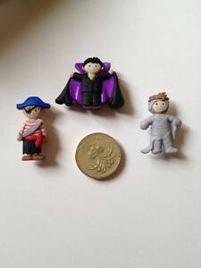Halloween-Boy-Ghost-Ghoulies-Vampire-Dracula-Mummy-Pirate-Spook-Buttons