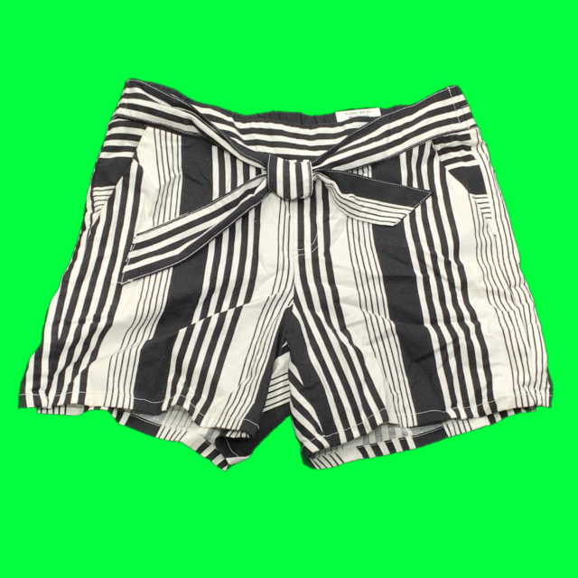 New $55 value INC Size Medium Black Striped Pull-on Tie Front Shorts