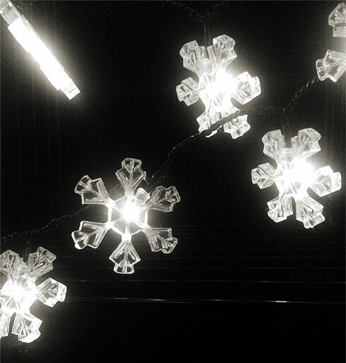 CHRISTMAS 40 LED LIGHTS SNOWFLAKE - MULTI-ACTION WHITE - INDOOOR / OUTDOOR