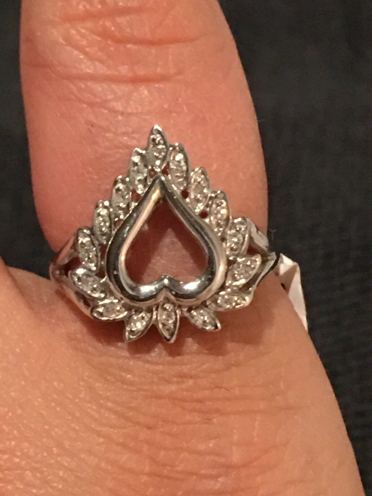 14K Solid White gold Heart Ring with Natural Diamonds