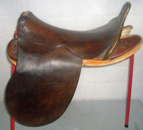 "ANTIQUE MILITARY OFFICERS SADDLE MADE IN LONDON 17.5 ""SEAT HAYMANHAYMARKET?"