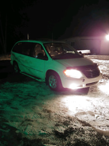 Chrysler town country 2005