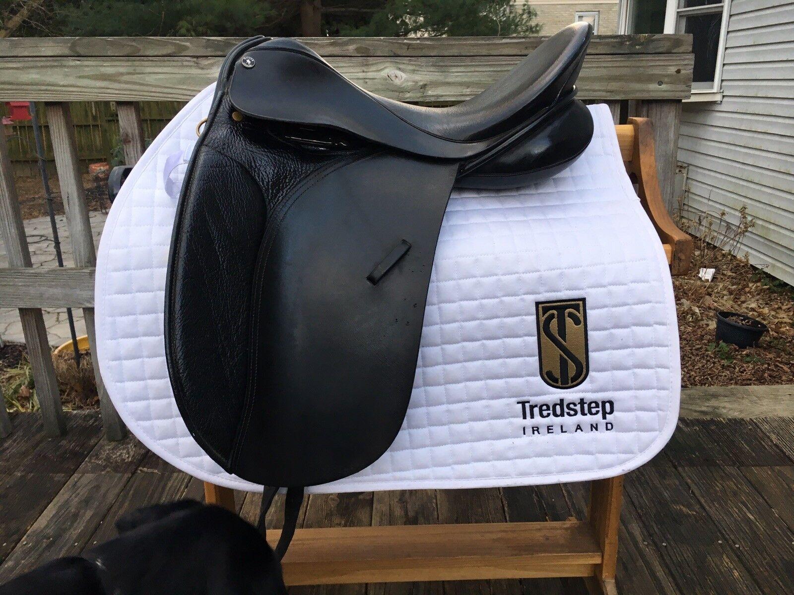 "17"" Dover Circuit Dressage  Saddle  free shipping worldwide"