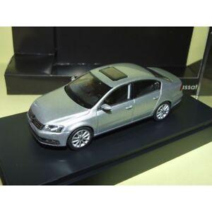 VW-PASSAT-B7-Gris-Clair-SCHUCO-1-43