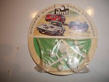 TWO VINTAGE REVELL 1/32 TH DRIVER FIGURES R3502 ON CARD NEW OLD STOCK